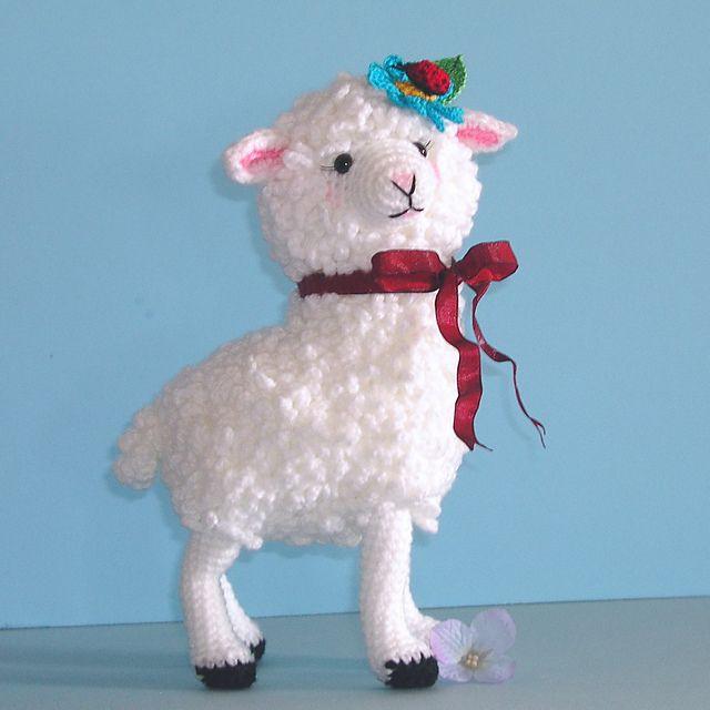 FREE Lamb or Sheep Amigurumi Crochet Pattern and Tutorial