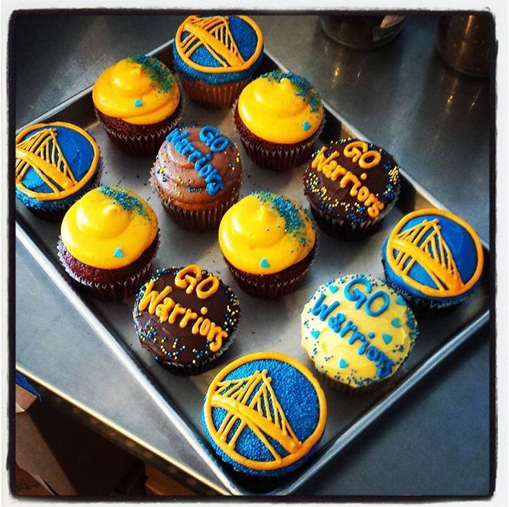 Let's go Warriors! Home game tonight against the Atlanta Hawks. We show our #locallove with #warriors #cupcakes #goteamgo #dubnation #jamesandthegiantcupcake #oaklandcupcakes #oaklandlove #jatgcindowntownoakland #tonight #warriorsground #Oakland #oaklandeats #bayareaeats #day5