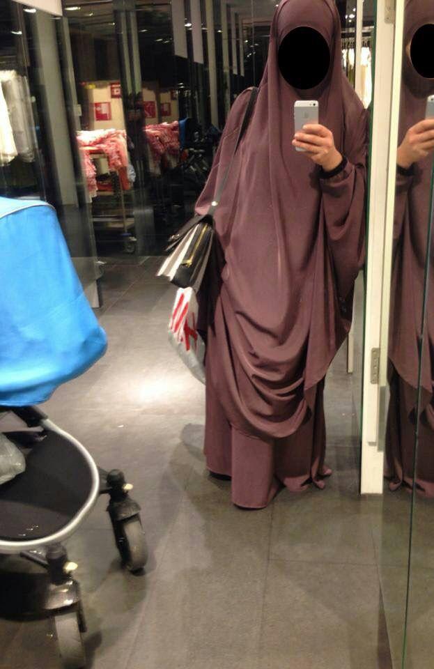 Shopping with Jilbab