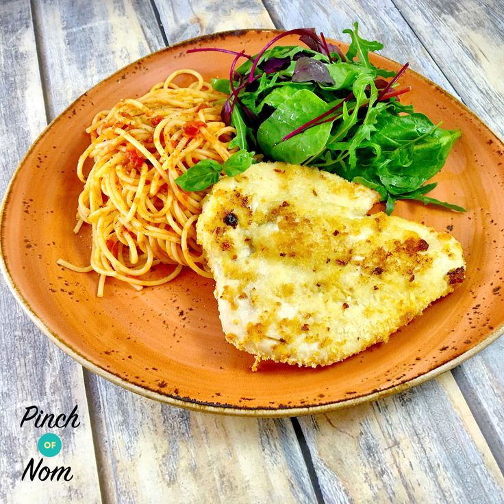 Low Syn Chicken Milanese with Spaghetti Pomodoro | Slimming World - https://pinchofnom.com/recipes/low-syn-chicken-milanese-with-spaghetti-pomodoro-slimming-world/
