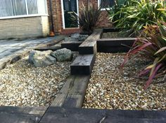 Railway sleepers in the garden, I like this idea
