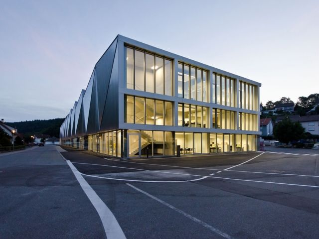 Production Hall Trumpf Hettingen by Barkow Leibinger - News - Frameweb