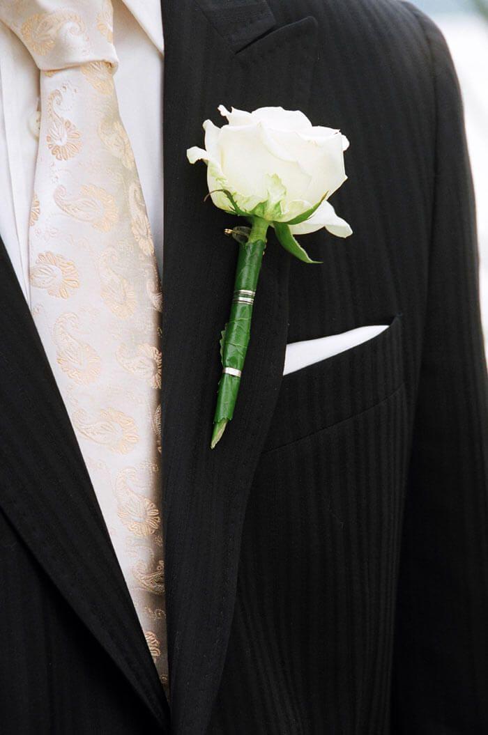 Ansteckblume Anzug