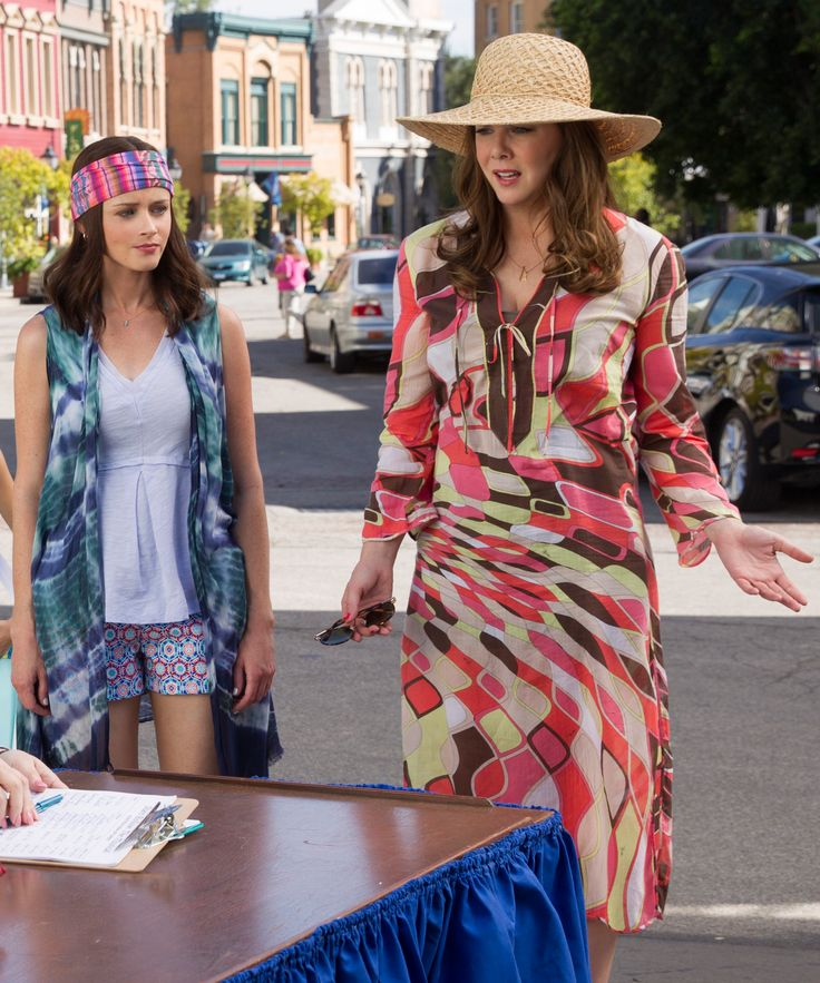 "Cast members of ""Gilmore Girls: A Year in the Life"" share behind-the-scenes photos from the revival now that it has premiered on Netflix."