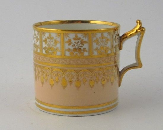 A fine Flight Barr and Barr period Worcester coffee can dating to c1820 and decorated with a salmon ground with very fine and elaborate gilding