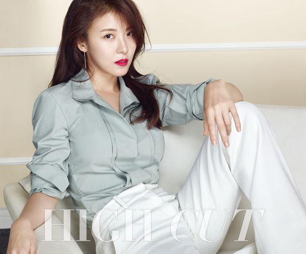 Ha Ji Won in High Cut Vol. 154 Look 2