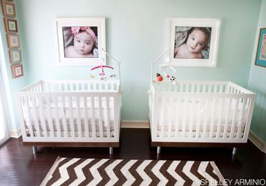belle maison: Reader Room Design: A Chic Nursery for Twins:  Cots, Wall Colors, Cute Ideas, Shared Rooms, Twin Nurseries, Baby Pictures, Baby Rooms, Nurseries Ideas, Twin Rooms