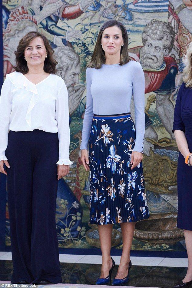 af3a0f210 Queen Letiiza of Spain looks chic atZarzuela Palace in Madrid | REYES de  ESPAÑA 2018 | Queen, Queen letizia und Princess of spain