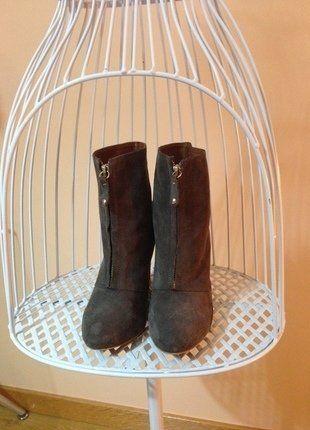 Compra mi artículo en #vinted http://www.vinted.es/zapatos-de-mujer/botas/493606-botas-grises-de-cuna-de-zara