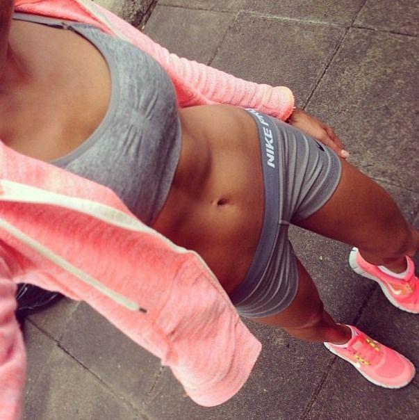 """La tenue de sport d'une """"girly"""" sportive sportez vous avec Run2meet"""
