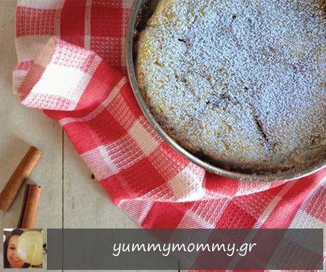 """Συνταγή μηλόπιτας από τη Νικολέττα  Μας γράφει: """"Αυτή η συνταγή μού ξυπνάει μνήμες από τα παιδικά μου χρόνια και θέλω να τη μοιραστώ μαζί σας. Τα κέικ είναι τα αγαπημένα γλυκά των μικρών μας, συνοδεύουν όμως πολύ ευχάριστα και έναν καφέ ή ένα τσάι."""""""