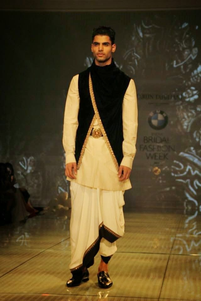 Sherwani's for grooms by Tarun Tahiliani- India Fashion Week  http://frillyflamingo.blogspot.in/