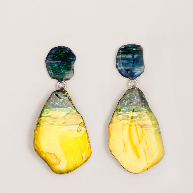 Painted brass earrings by Johanne Ratté 2016 @lesjoanneries. #contemporaryjewelry #brassjewelry