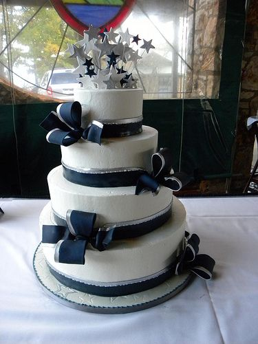 dallas cowboy wedding cake | photo