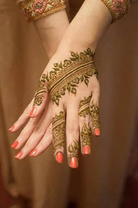Gorgeous henna work