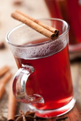 Warm cranapple punch | 8 cozy hot drinks - Today's Parent