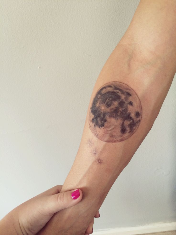 Aldo's full moon tattoo  #fullmoontattoo #fullmoon
