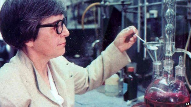 Kevlar inventor Stephanie Kwolek dies aged 90   21 June 2014 This undated photo made available by DuPont shows chemist Stephanie Kwolek at the DuPont Labs in Delaware. http://www.bbc.com/news/world-us-canada-27951043