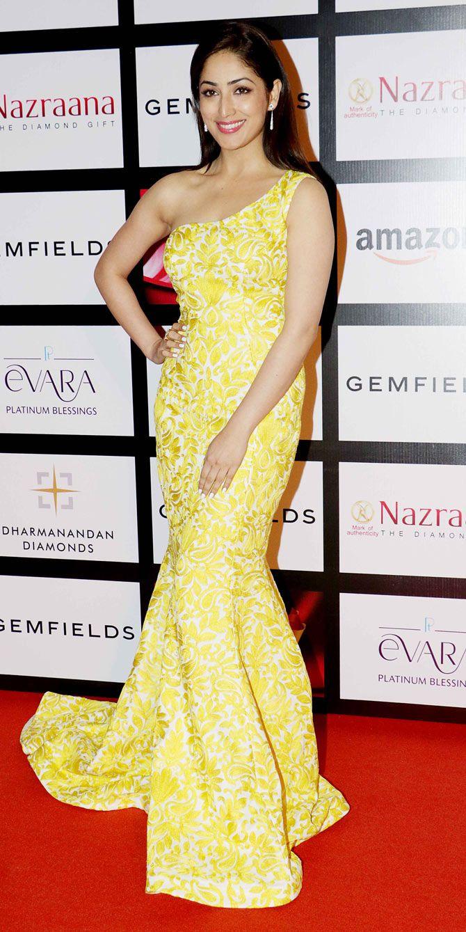 Yami (Yaami) Gautam at the 11th Gemfiells & Nazrana Retail Jeweller India Awards 2015. #Bollywood #Fashion #Style #Beauty #Classy