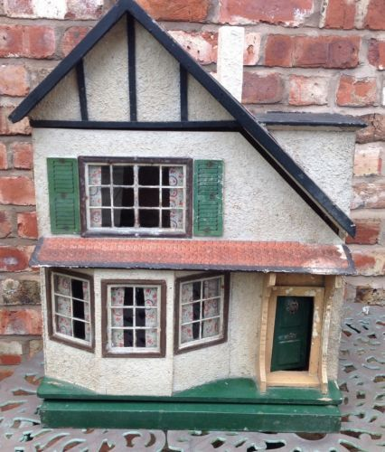 Triang-vintage-Large-1930s-Stockbroker-style-timbered-dolls-house-Original