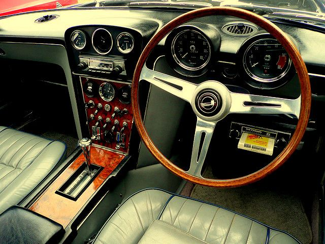 Jensen Interceptor interior. sweet