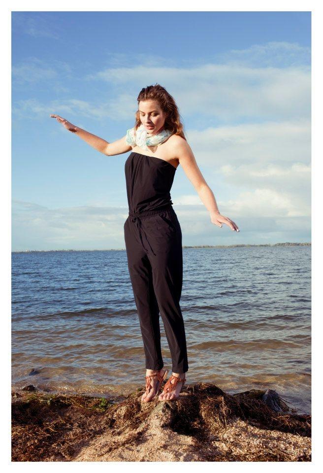 Jumpsuite voor de lente of zomer, leuk om te combineren met pumps en/of een jasje