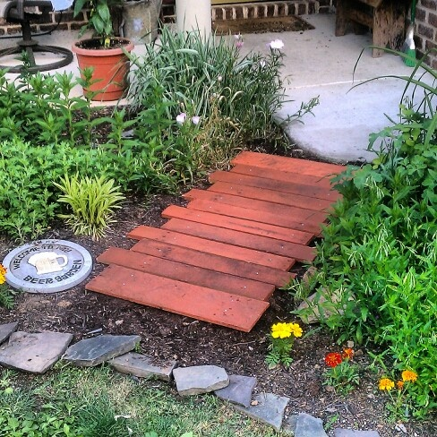 Pallet walkway: Color, Outdoor, Wood Paver, Stained Wood