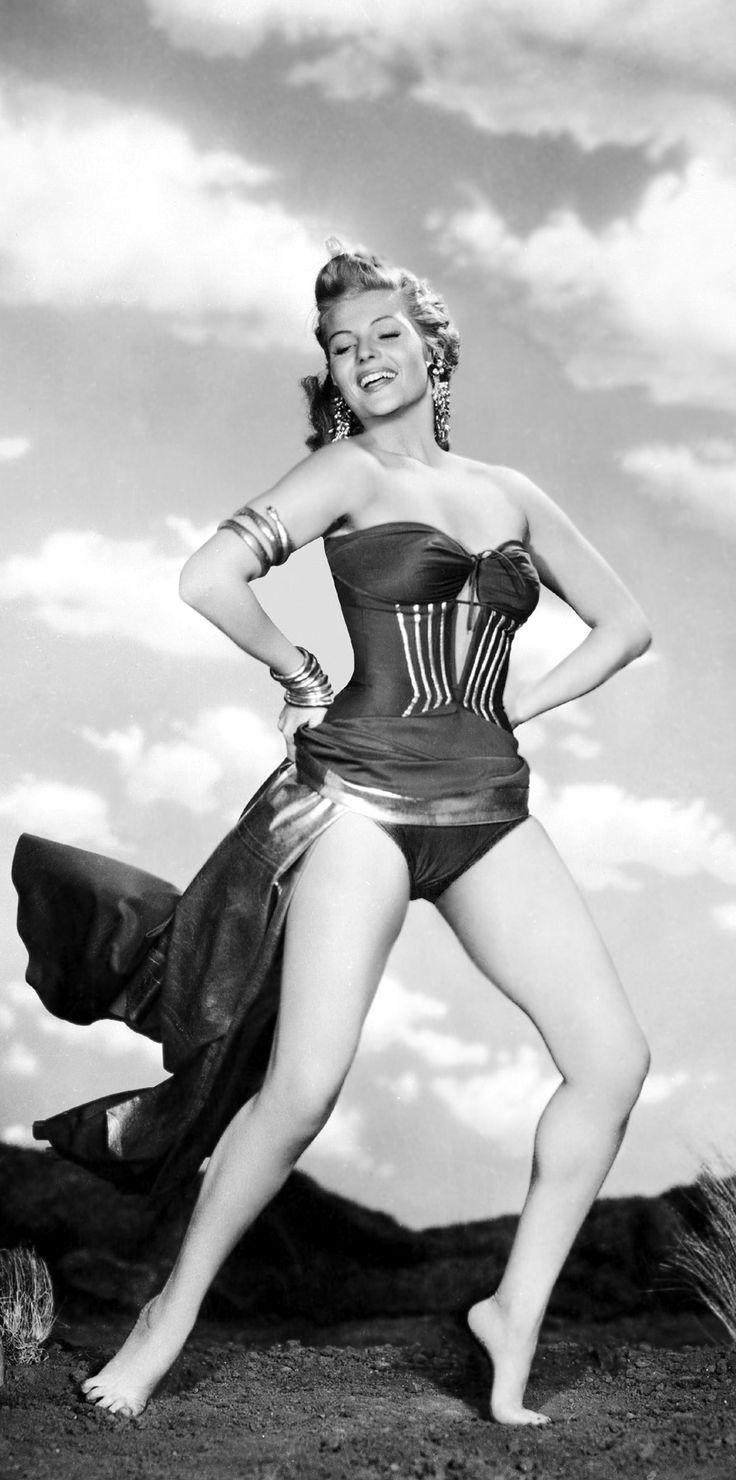 Rita Hayworth ✾ Affair in Trinidad (1952)                                                                                                                                                                                 Mais
