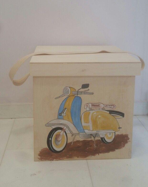 Κουτί βάπτισης με θέμα την vespa!!