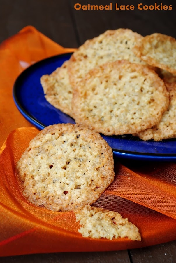 Oatmeal Lace Cookies from USMasala: Desserts Cookies, Chocolates Chips, Lace Cookies, Cookies Desserts, Cookies Candy Bar, Oatmeal Lace, Baking, Food Cookies, Muffins Cookies