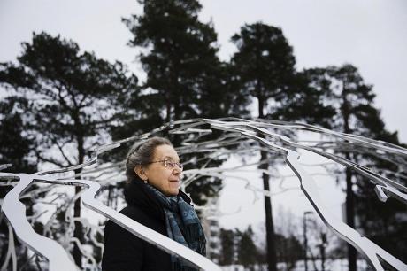 THL:n tutkimusprofessorin Marjukka Mäkelän uraa on hallinnut tavoite, että lääkärit käyttäisivät vain tutkitusti tehoavia menetelmiä. Tavoite on jo osin toteutunut: Hoidossa ei enää puhuta priorisoinnista eli siitä, kuka hoidetaan ja ketä ei, vaan päätökset syntyvät hoitolinjausten pohjalta. Linjauksia on jo satoja.