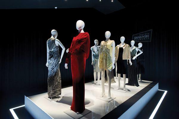 한 발 앞선 패션 전문지, 패션채널 www.fashionchannel.co.kr600 × 400이미지로 검색 '스와로브스키'의 히스토리, 헤리티지, 다양성을 느낄 수 있는 전시회가 한국에서 열리고 있다. 크리스탈의 대표 브랜드 '스와로브스키'는 대림미술관의 기획 아래 지난 11월 8일부터 2013년