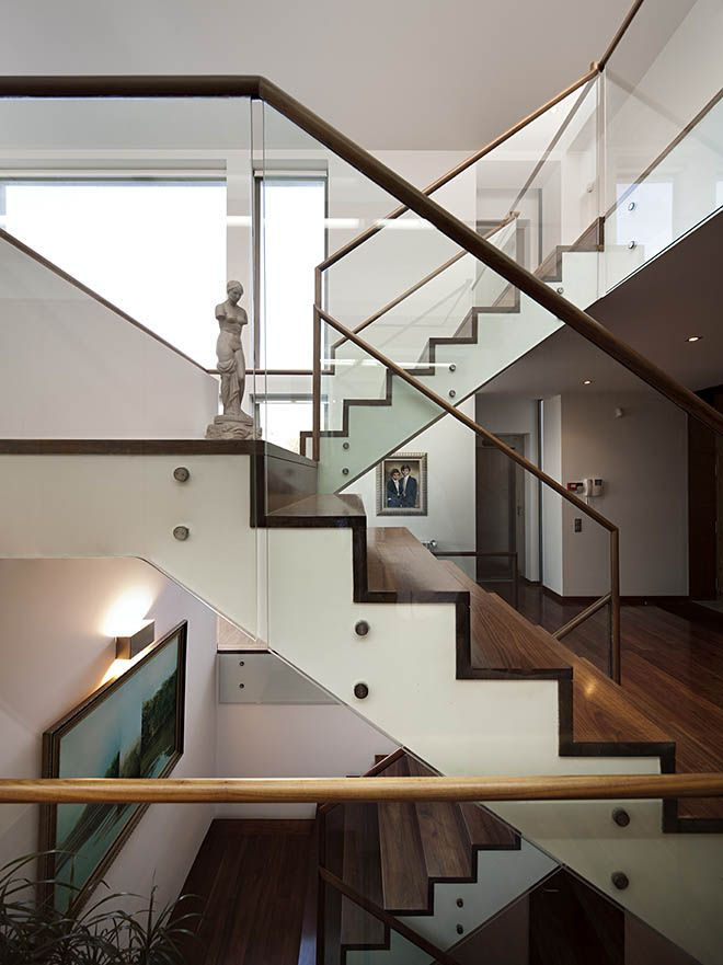 Beautiful modern house stairs design by Atelier Nuno