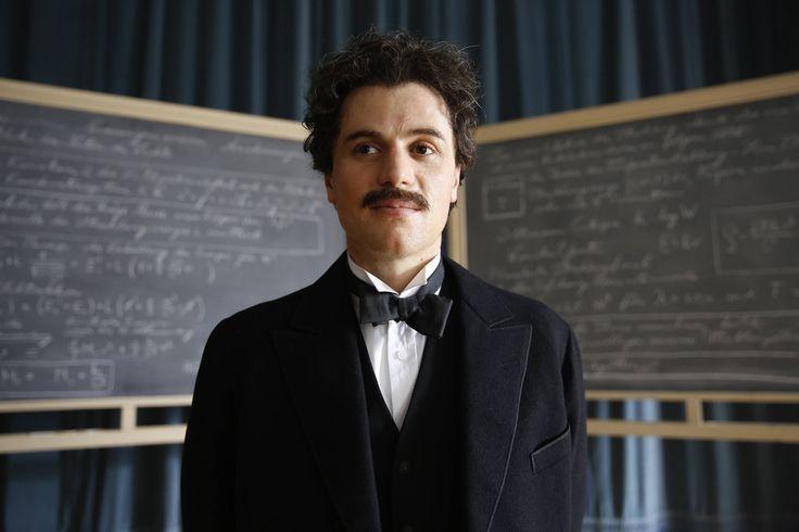 """Johnny Flynn as Albert Einstein, """"Genius"""", National Gegraphics Channel, 2017"""