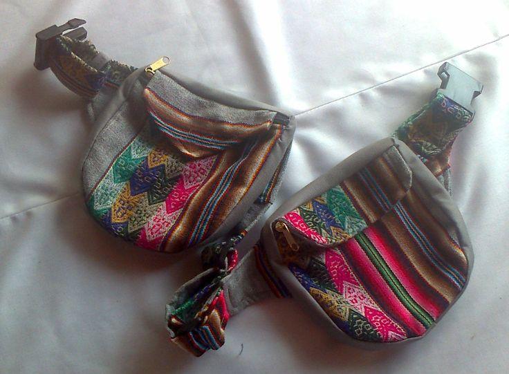 Es una alforja doble confeccionada con tela peruana llamada aguayo