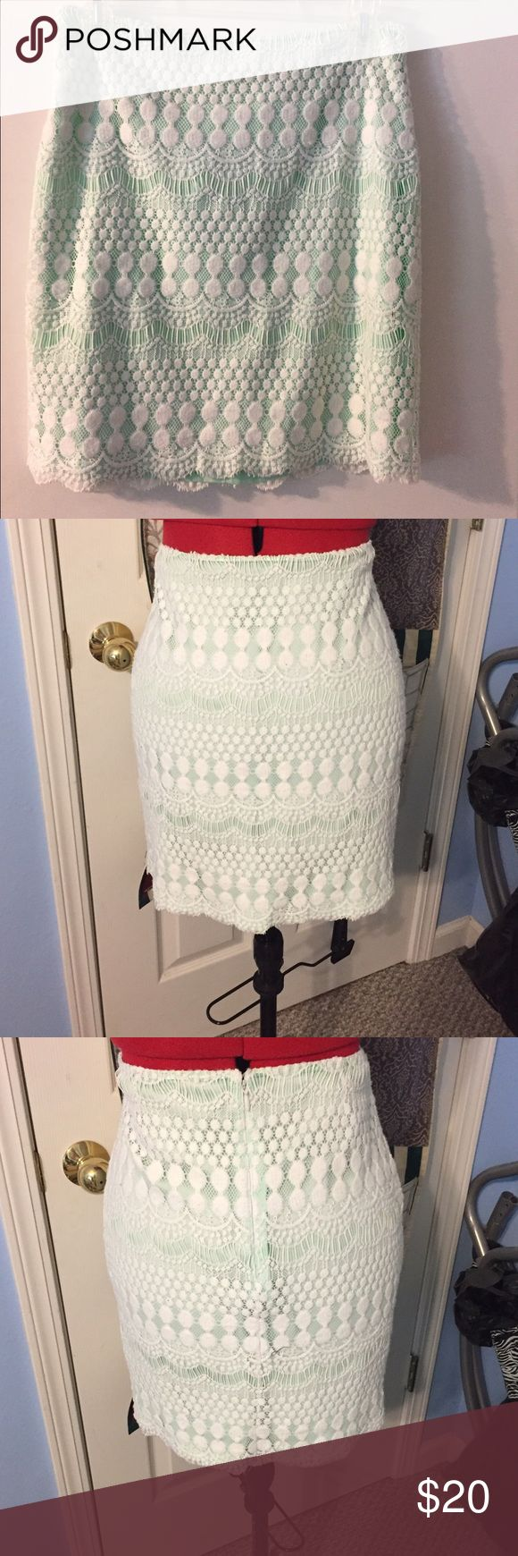Gianni Bini mint with white lace over lay skirt This is a mint green skirt with a white lace over lay mid thigh length Gianni Bini Skirts Midi