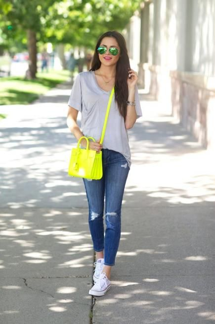 A neon bag makes even a neutral outfit look electric. We approve, Pink Peonies. #Style #Fashion