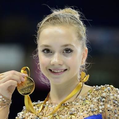 Elena Radionova with her Gold medal at the 2014 TEB ♥♥