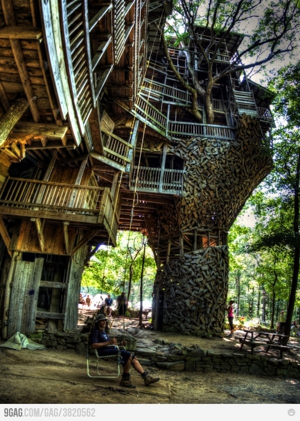 awesome tree house: Spaces, Dreams Houses, Favorite Places, Stuff, Trees Forts, Trees Houses, Treehouse, Travel, Things