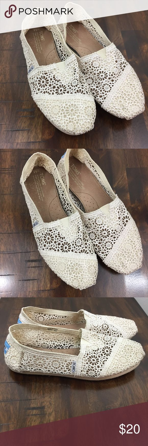 Cream Lace Toms Excellent condition. Very little wear. Toms Shoes Flats & Loafers