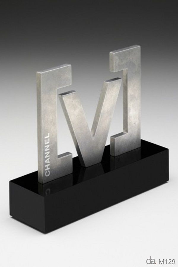 Channel V Oz Artist Trophy Design