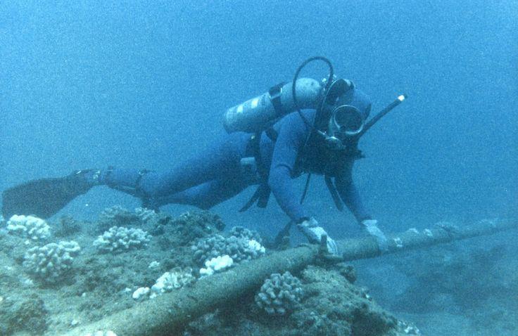 Facebook y Google crearán su propia red de fibra óptica bajo el mar @alvarodabril
