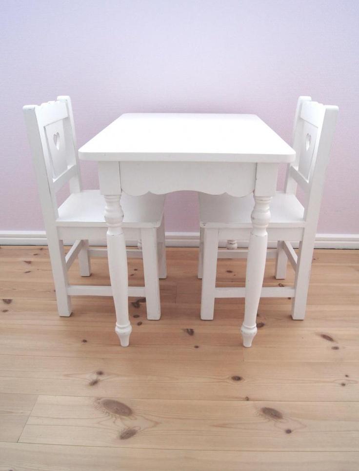 Barnebord + stoler