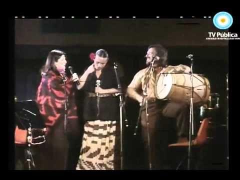 Mercedes Sosa - Grito Santiagueño (con Suna Rocha y Raúl Carnota) (En vivo) - YouTube