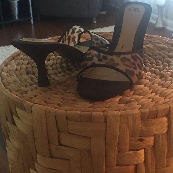 "Animal print slippers🎉OK🎉size 9.5M Animal print slippers🎉OK 🎀size 9.5 M heel height 2.5"" OK Shoes Slippers"