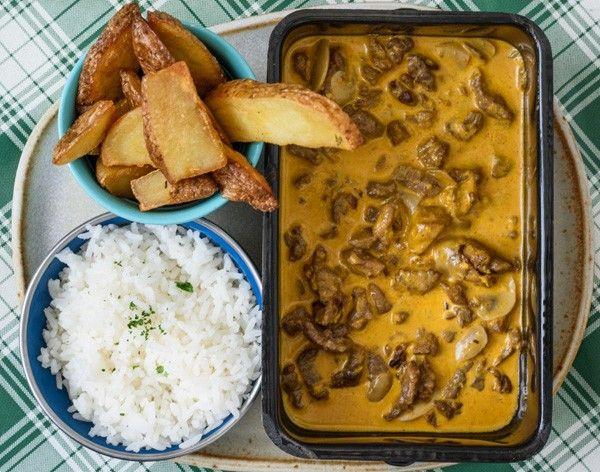 A chef Helô Bacellar, do Lá da Venda, em São Paulo, ensina uma receita perfeita para quem não quer perder muito tempo na cozinha