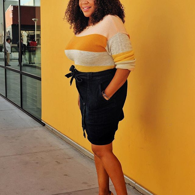 Yellow AND stripes?? I'm in 🙋🏾‍♀️! A little yellow to get us over the 🐪 hump. #notsomellowyellow #happyhumpday #stripesfordays • • • • • • #ootd #style #target #targetstyle #curves #latina #curvy #dominicanbloggers #celebratemysize #embraceyourcurves #wiw #iamlatina #stylediary #curvystyle #latinasonthemove #iamlatina #browngirlbloggers #hiplatina #latinablogger #hmxme