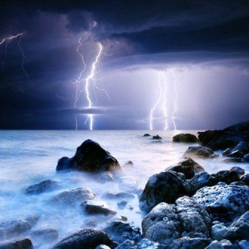 Tablou luminos pe plexiglas- Furtuna pe mare - Unic in Romania - PROMOTIE