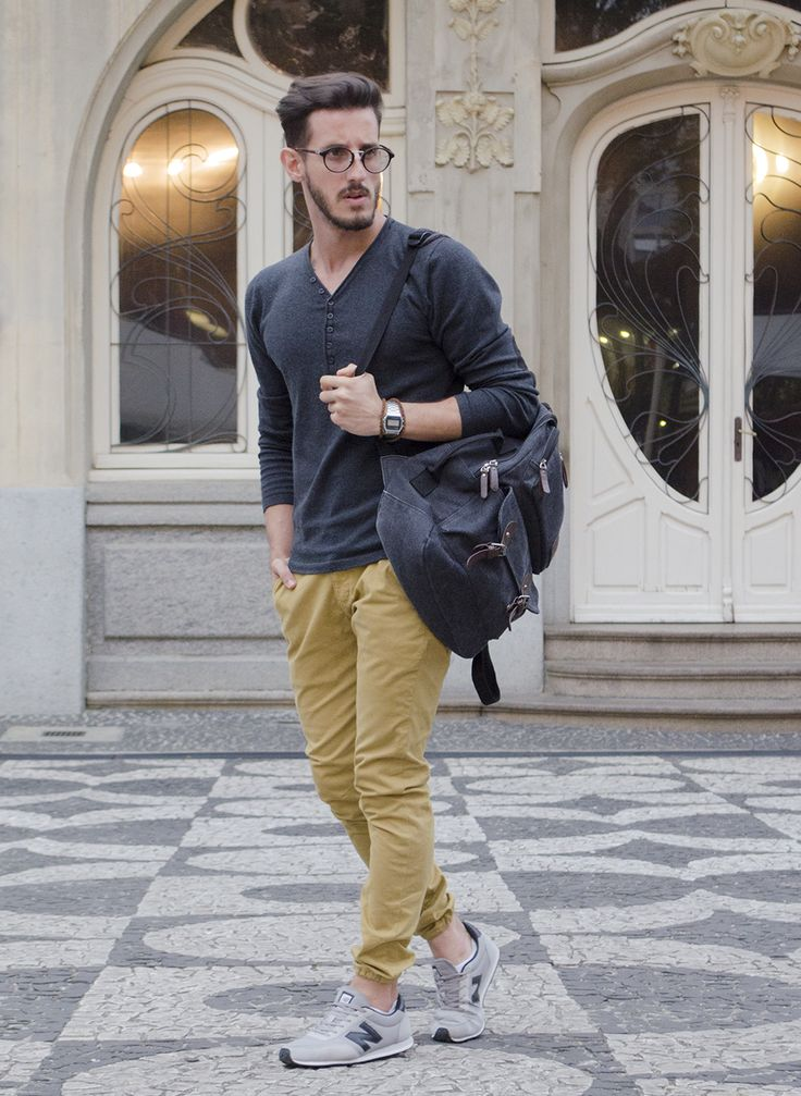 Outfit Men, Fashion Men, Men Style, khaki pants, chino pants, jogger pants, New Balance - www.rodrigoperek.com