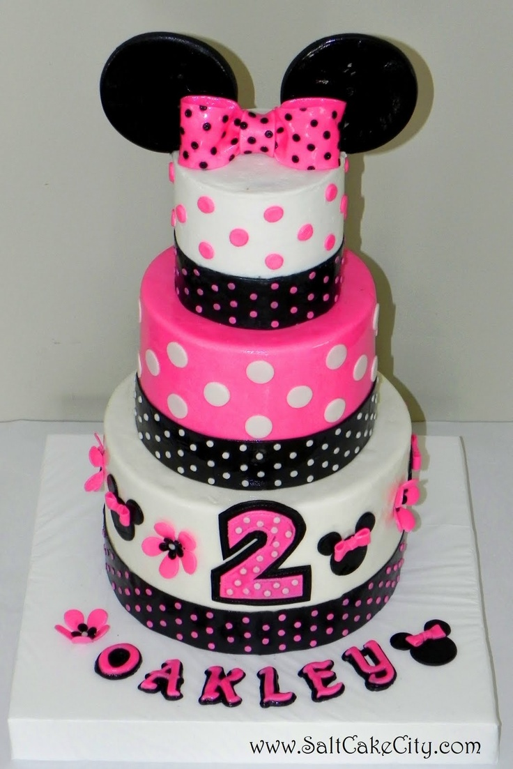 Minnie Mouse cake! Addy would love this!!